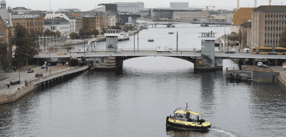 Un remolcador autónomo navegó mil millas alrededor de Dinamarca<br></noscript></noscript><img class=